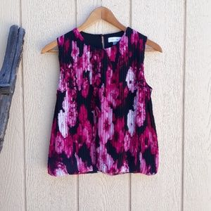Sleeveless Floral Top Accordion Pleat Black Pink